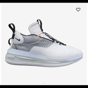 Nike Air Max 720 Waves Size 11